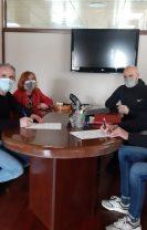 El Ayuntamiento de Las Navas y el Club de Triatlón Triávila firman un acuerdo de colaboración